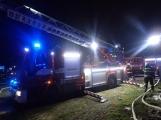 Aktuálně: Plameny zachvátily rodinný dům na Příbramsku (6)