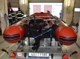 Profesionální hasiči z Dobříše dostali nový přívěs pro záchranný člun ()