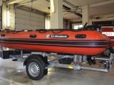 Profesionální hasiči z Dobříše dostali nový přívěs pro záchranný člun (7)