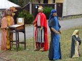 V Čenkově je k vidění ohromný betlém ze sena (12)