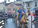 Do Příbrami opět dorazili Tři králové na velbloudech (30)