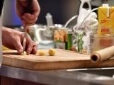 Příbram má v kuchařské show svého Jamieho Olivera. Hraje ale hokej a nebojí se ostrých nožů (4)