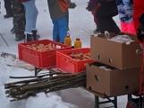 Zimní Brdy uvítaly účastníky pochodu pořádnou sněhovou nadílkou (28)