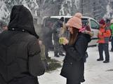 Zimní Brdy uvítaly účastníky pochodu pořádnou sněhovou nadílkou (49)