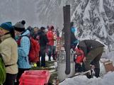 Zimní Brdy uvítaly účastníky pochodu pořádnou sněhovou nadílkou (50)