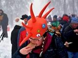 Zimní Brdy uvítaly účastníky pochodu pořádnou sněhovou nadílkou (55)