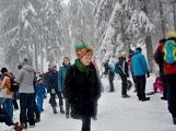 Zimní Brdy uvítaly účastníky pochodu pořádnou sněhovou nadílkou (68)