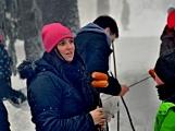 Zimní Brdy uvítaly účastníky pochodu pořádnou sněhovou nadílkou (86)