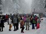 Zimní Brdy uvítaly účastníky pochodu pořádnou sněhovou nadílkou (87)