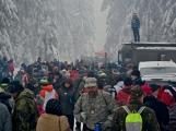 Zimní Brdy uvítaly účastníky pochodu pořádnou sněhovou nadílkou (88)