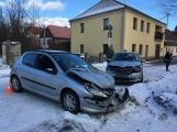 Aktuálně: V Rožmitále se srazily dva vozy (3)