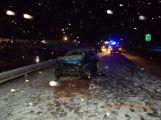 Sníh komplikuje dopravu, na dálnici D4 se srazily dva vozy ()