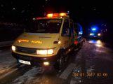 Sníh komplikuje dopravu, na dálnici D4 se srazily dva vozy (3)