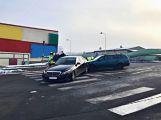 V Husově ulici se v nedělním ránu srazila dvě auta (3)