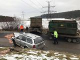 Silnici na Něčín uzavřela vážná dopravní nehoda ()