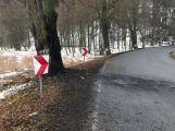Při nehodě u Hluboše uhořel v autě člověk (3)