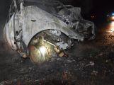 Posádka neměla šanci. Takhle skončil vůz po noční nehodě u Hluboše (2)