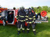 Hasiči ze Zalužan ráno evakuovali žáky ze školy v Chrašticích (6)