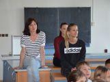 Hasiči ze Zalužan ráno evakuovali žáky ze školy v Chrašticích (10)