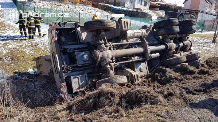 Dopravní nehoda vojenského univerzálního …