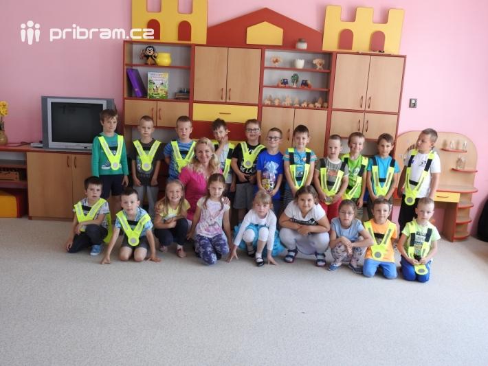 Dnes po svačince jsme navštívili školku …