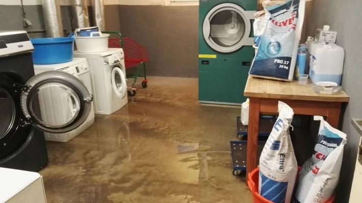 11: 50 Voda postihla i organizaci Centrum …