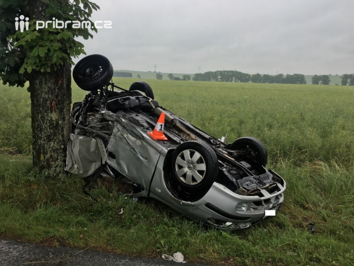 Vážná dopravní nehoda dvou osobních vozidel …