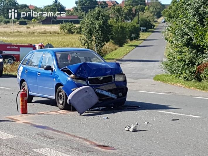 Ke kolizi dvou osobních automobilů došlo na …
