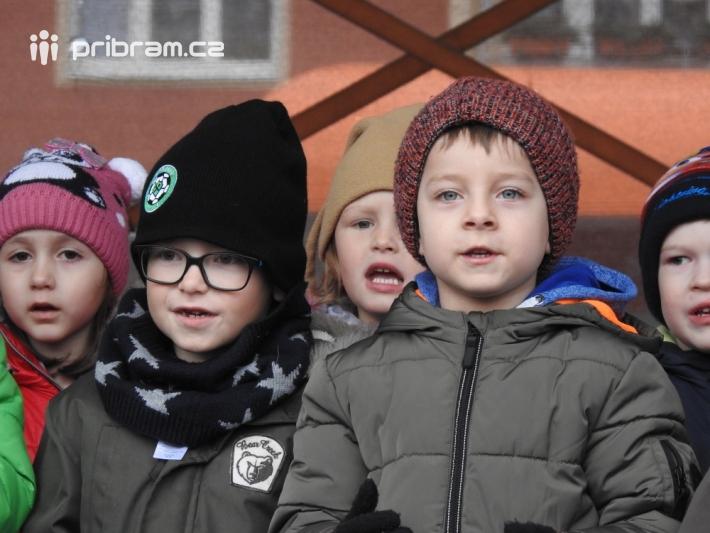 Čtyřicítka dětí z mateřské školy Bratří Čapků …
