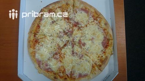 Pizzu zPizza Dante jsme objednali …