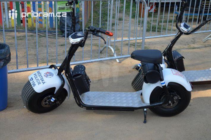 Nová vozítka budou pomáhat strážníkům …