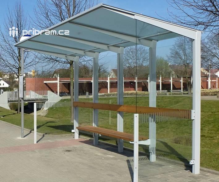 Zastaralé přístřešky autobusových zastávek v …