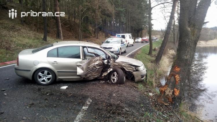 Aktuálně: Dopravní nehoda uzavřela jízdní pruh u Čenkova