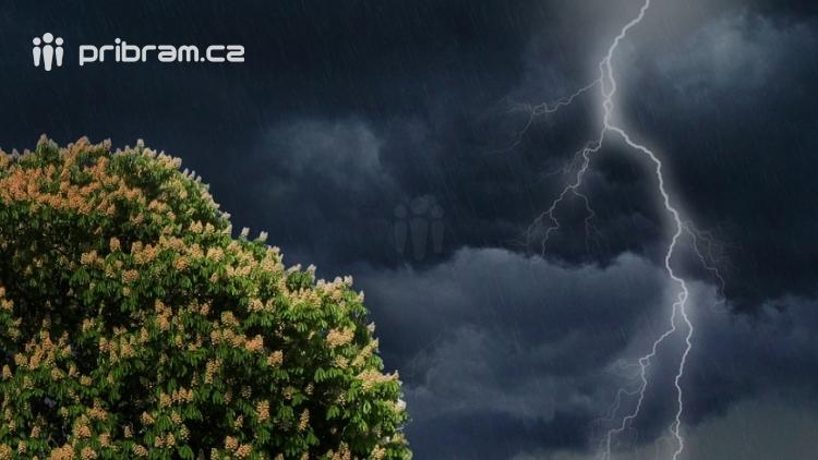 Blíží se k nám bouřky a přívalové deště varují meteorologové