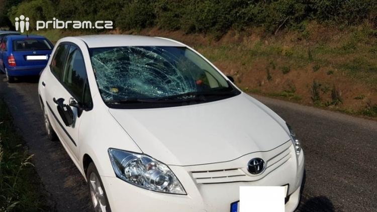 Aktuálně: Střet osobního vozu s chodcem si vyžádal těžká zranění