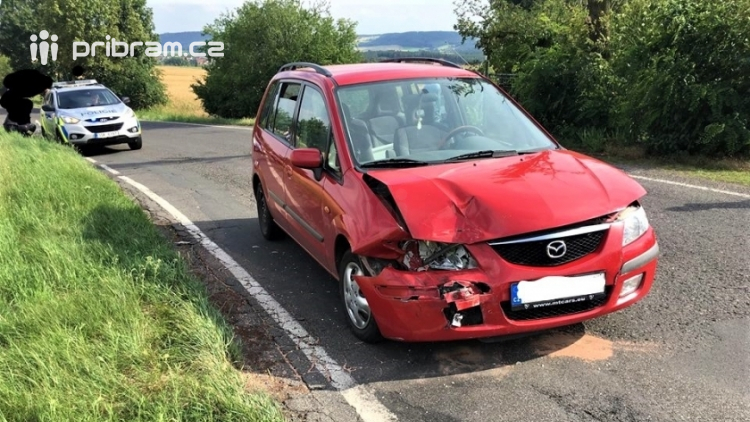 Při kolizi dvou osobních aut došlo ke zranění