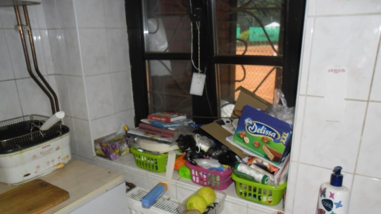 Stánek s občerstvením u tenisových kurtů kotrola hygieniků nepotěšila
