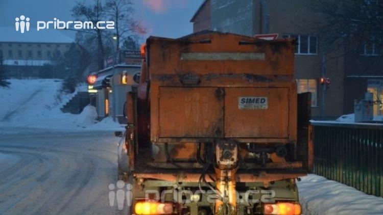 Kraj nebude v zimě udržovat nevyužívané silnice, ušetří miliony
