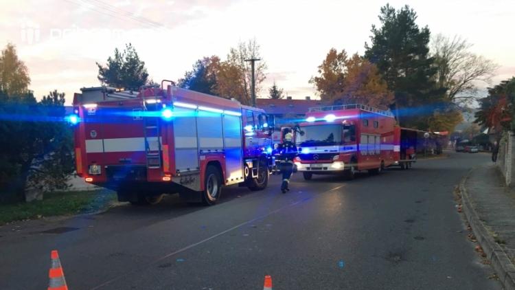 Právě teď: Chemická látka je cítit v ovzduší, hasiči uzavřeli část obce.