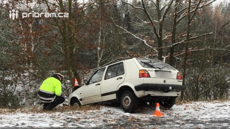 ON-LINE: Na Příbramsku napadl první sníh, v regionu došlo k několika dopravním nehodám