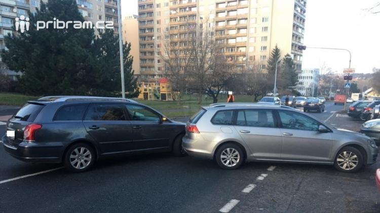Aktuálně: Dvě drobné dopravní nehody komplikují provoz v Příbrami