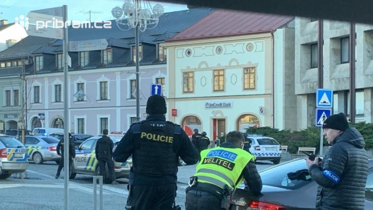 Policie vydala oficiální vyjádření k dnešnímu ozbrojenému přepadení!