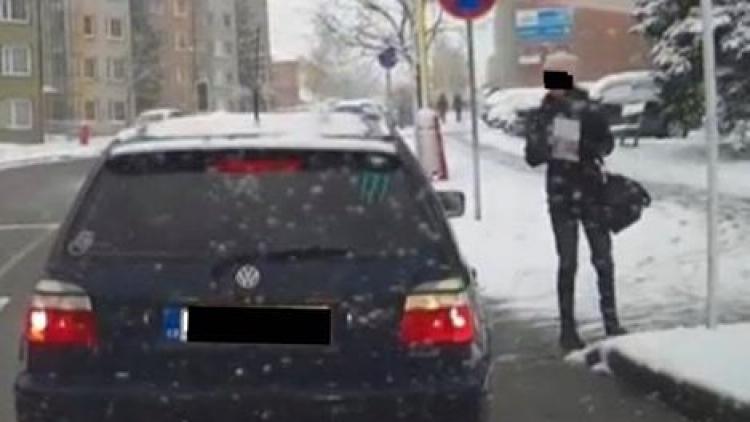 Policisté žádají všechny, kteří byli svědky události na přechodu pro chodce v Milínské ulici, aby se přihlásili