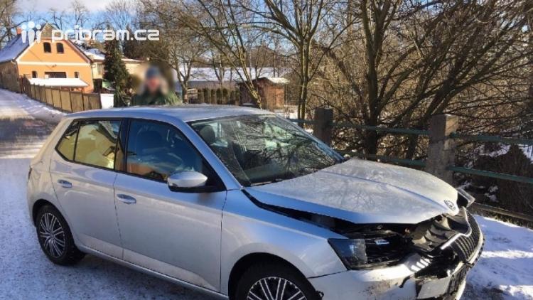 Aktuálně: V Rožmitále se srazily dva vozy