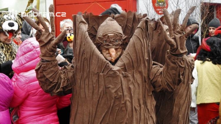 Fotogalerie: Bohutínem prošel masopustní průvod
