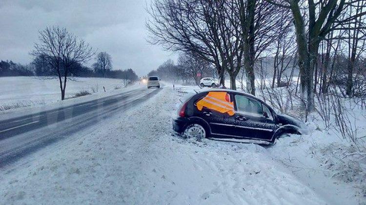Zhoršení počasí překvapilo řadu řidičů