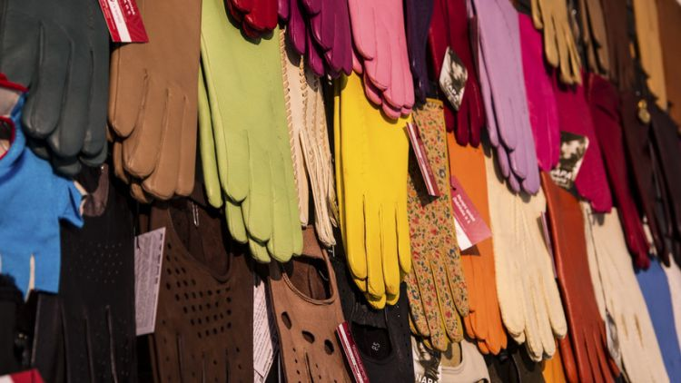 Dobříšské muzeum chystá výstavu o módě 80. let 19. století