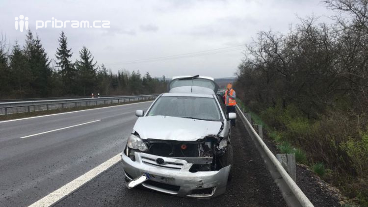 Aktuálně: Dvě dopravní nehody komplikují provoz u Dobříše