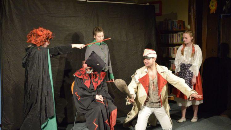 Studenti svatohorského gymnázia zahrají zítra v muzeu známou Drdovu pohádku