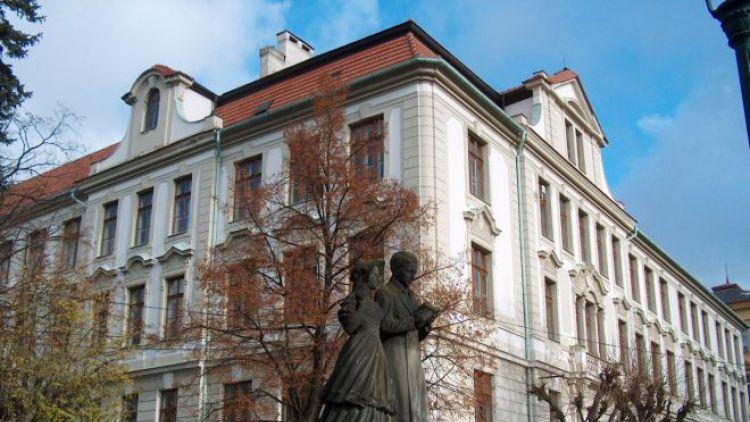 Žáci ZŠ Jiráskovy sady podpoří koncertem příbramskou nemocnici